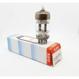 ECC801S - 6201 - 12AT7WA AEG NOS-NIB Tripla Mica Single (v79)